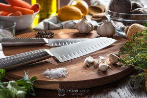 Set of vegetables and knives